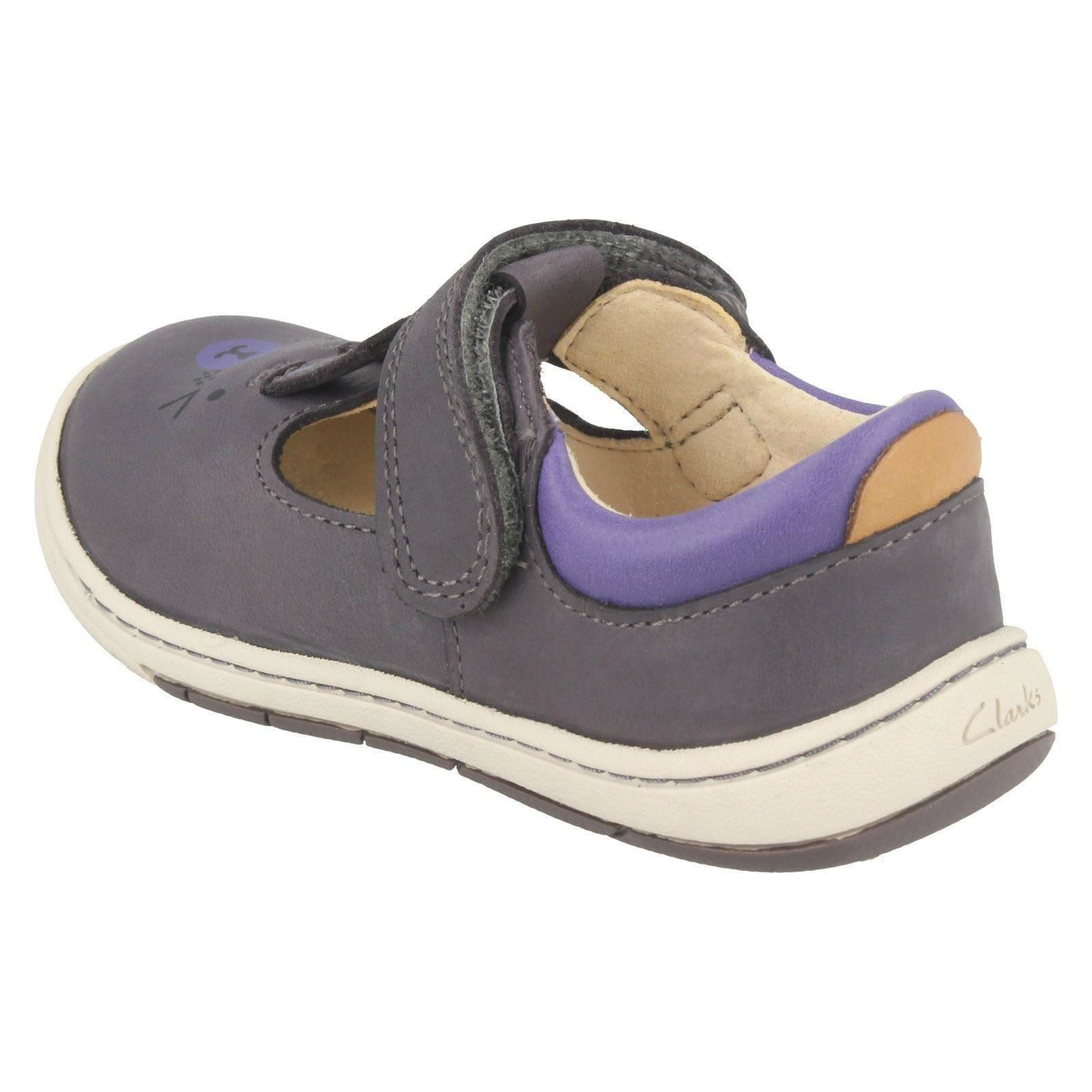 Girls Clarks Casual First Shoes With Rabbit Design Amelio Glo