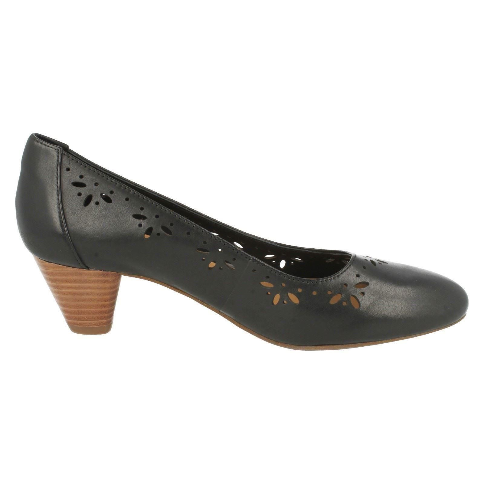 "Ladies Clarks Low Heeled Court Shoes /""Denny Dazzle/"""