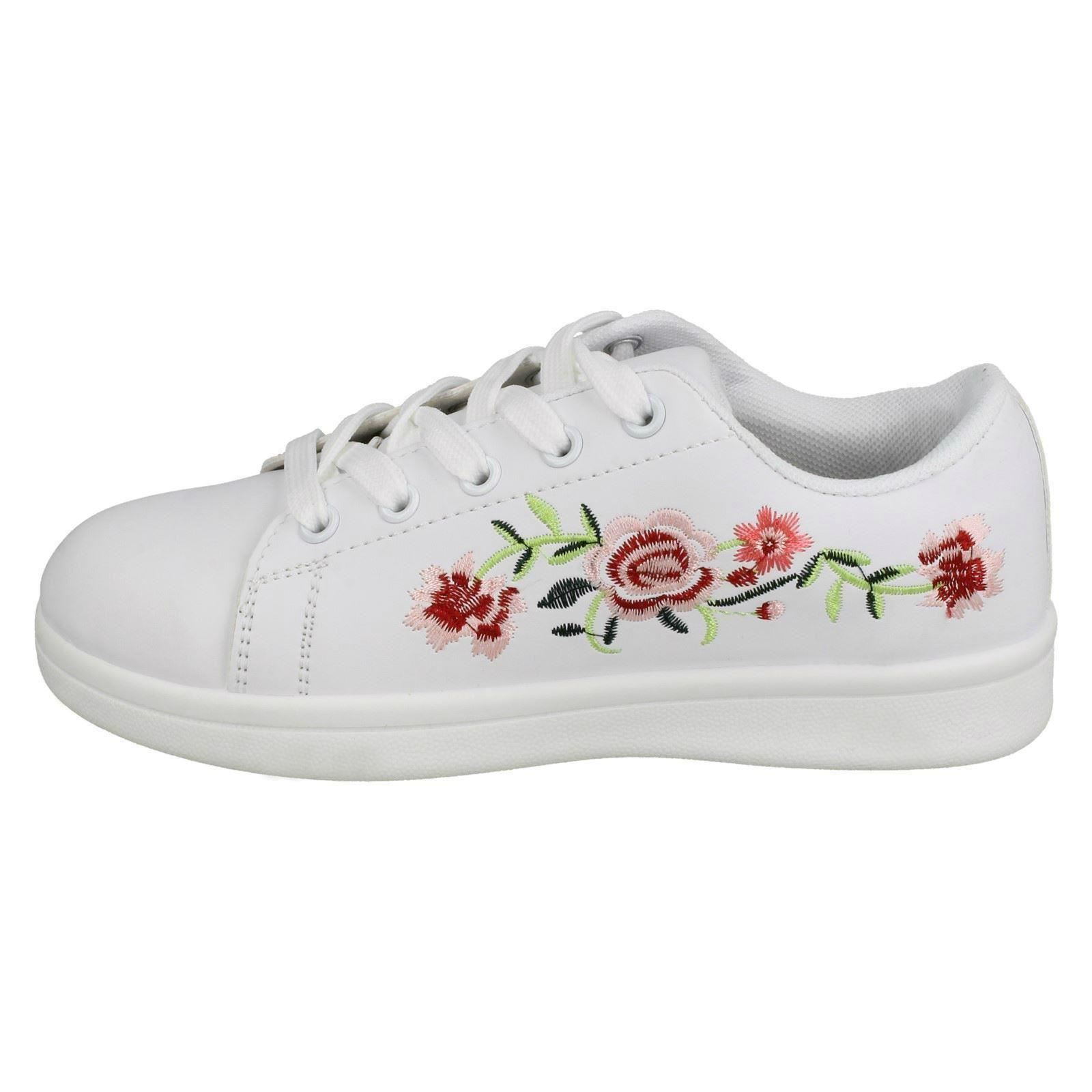 Girls Spot On Embroidered Flower Pumps
