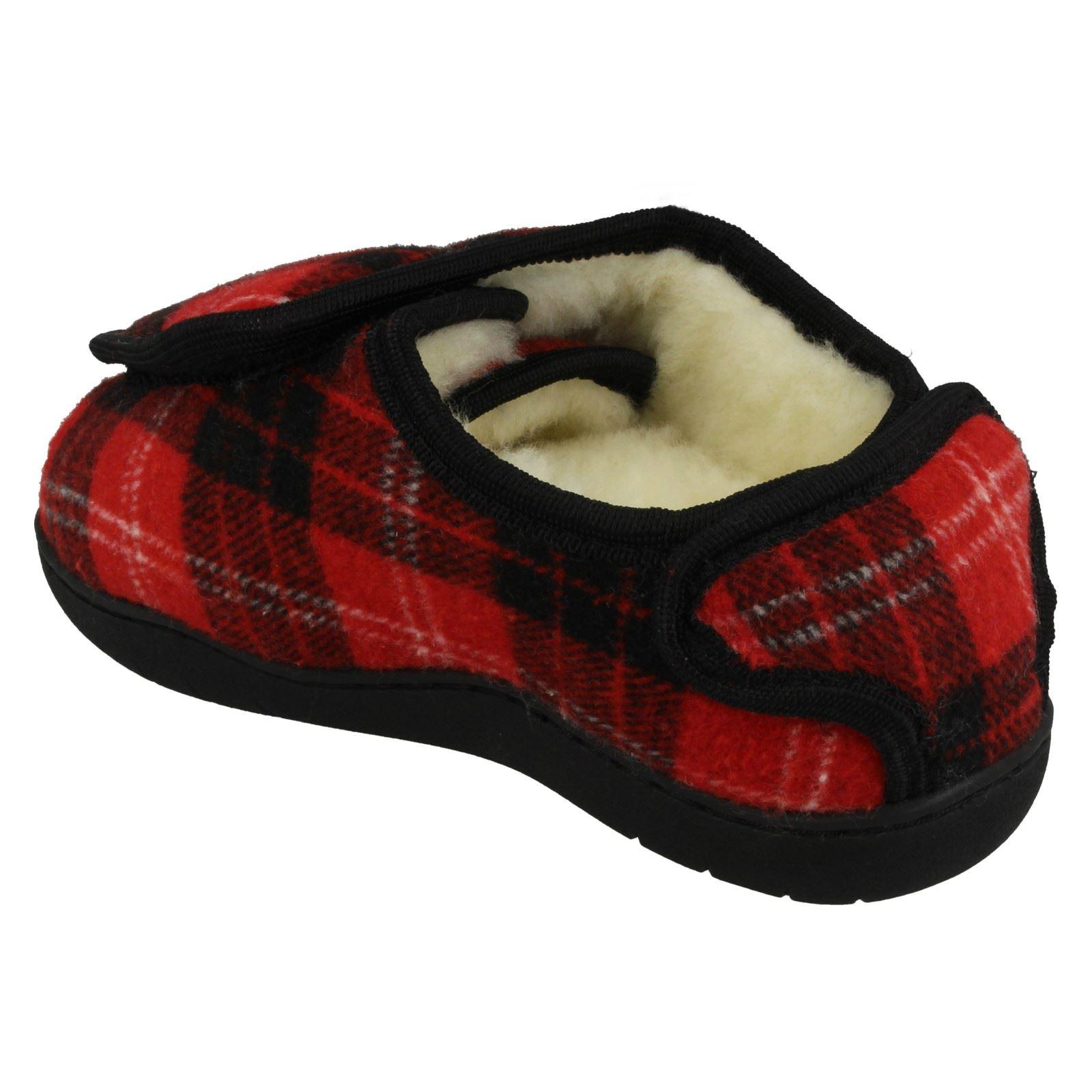 Ladies Spot On Faux Fur Riptape Wide Fitting Textile Tartan Slippers CT16008