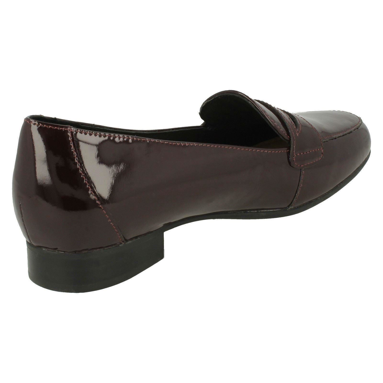 Ladies Clarks Loafer Style Heeled Shoes Un Blush Go