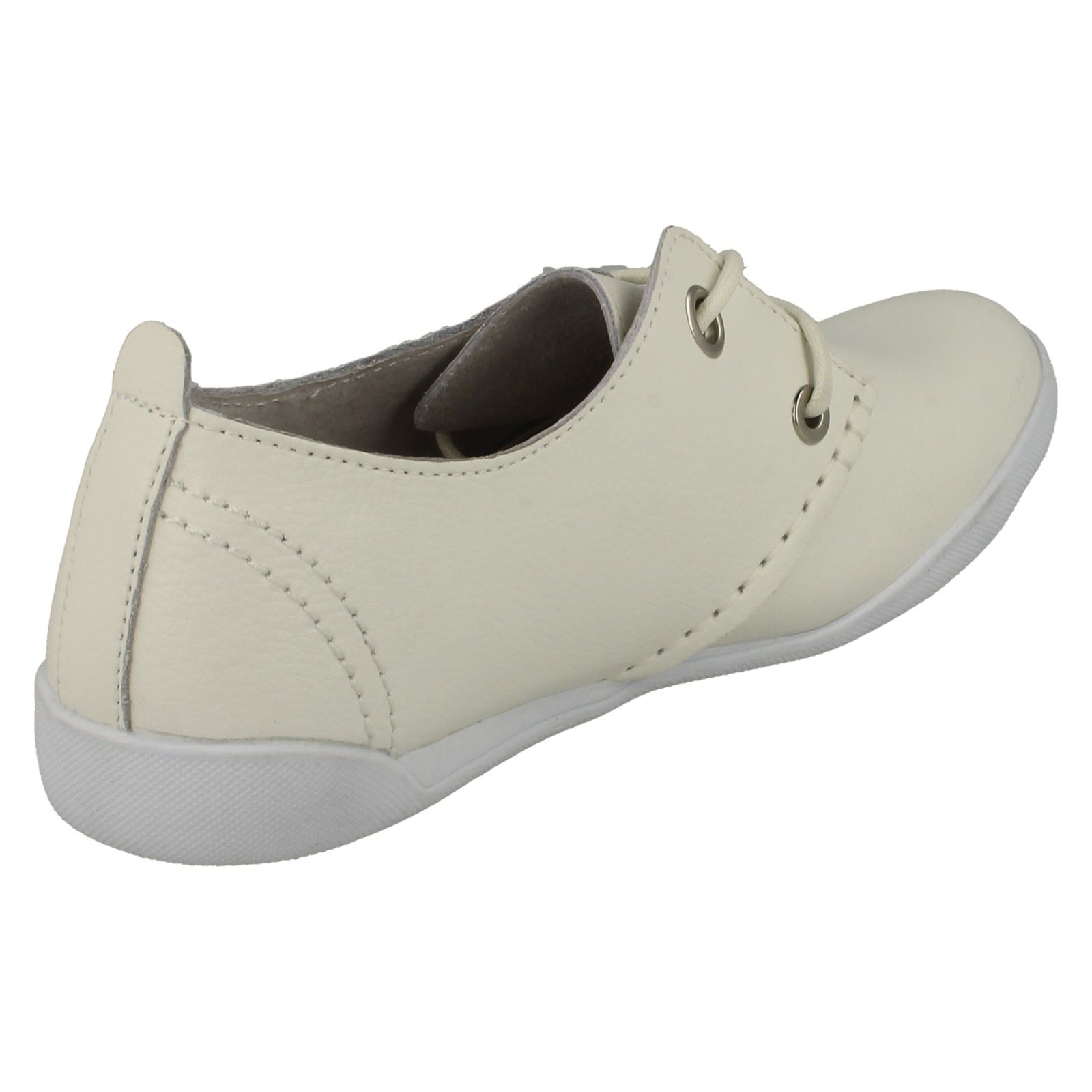 Ladies Down To Earth Flat Leather Lace Up Shoes