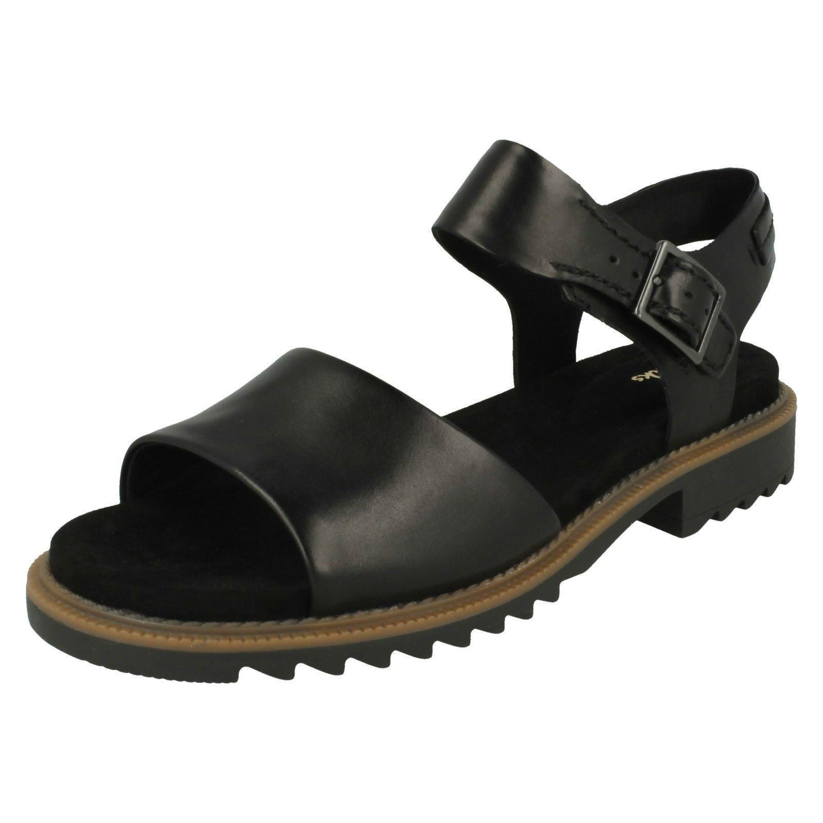 Ladies Clarks Casual Open Toe Buckled Leather Sandals Ferni Fame
