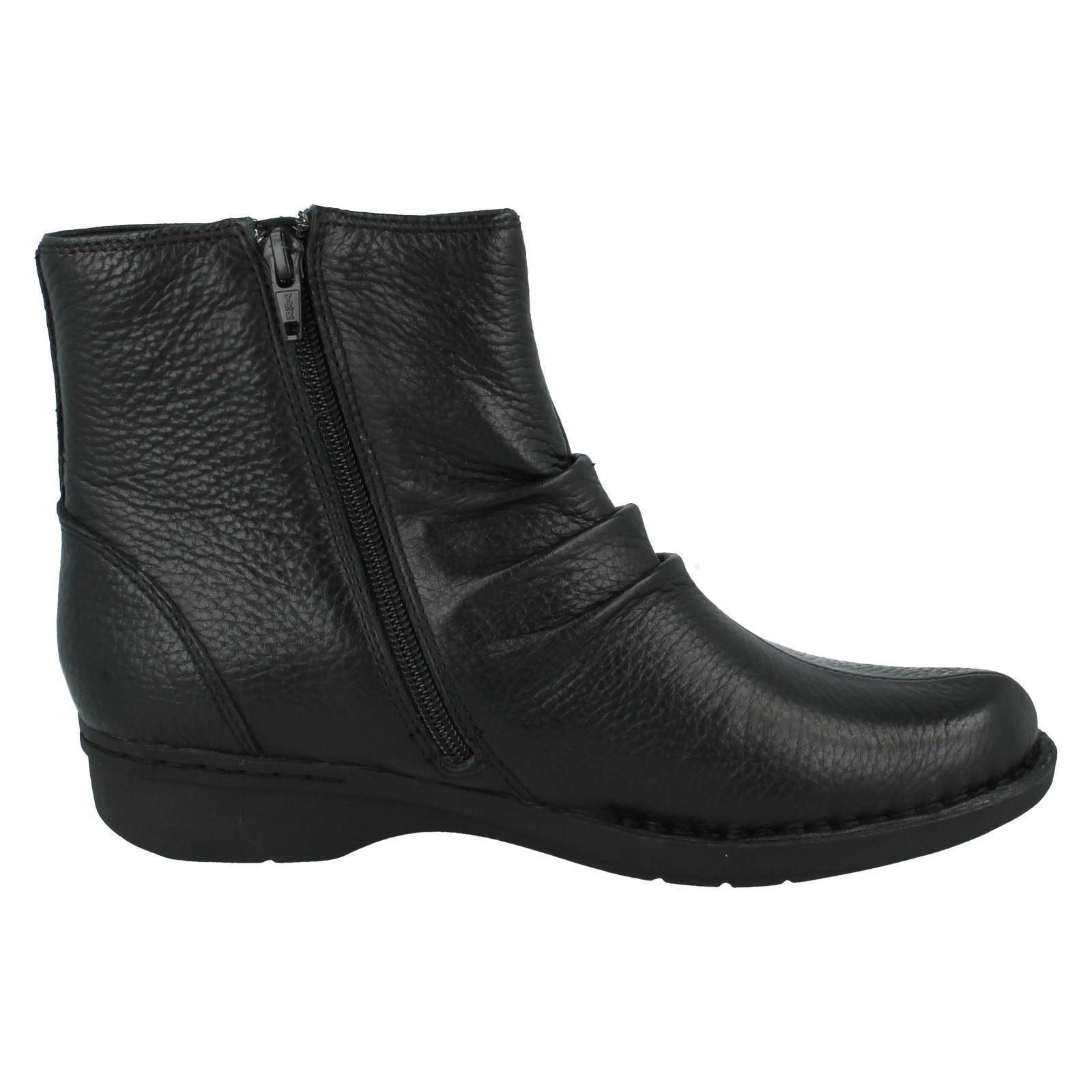 Ladies Clarks Ankle Boots *Money Whistle*