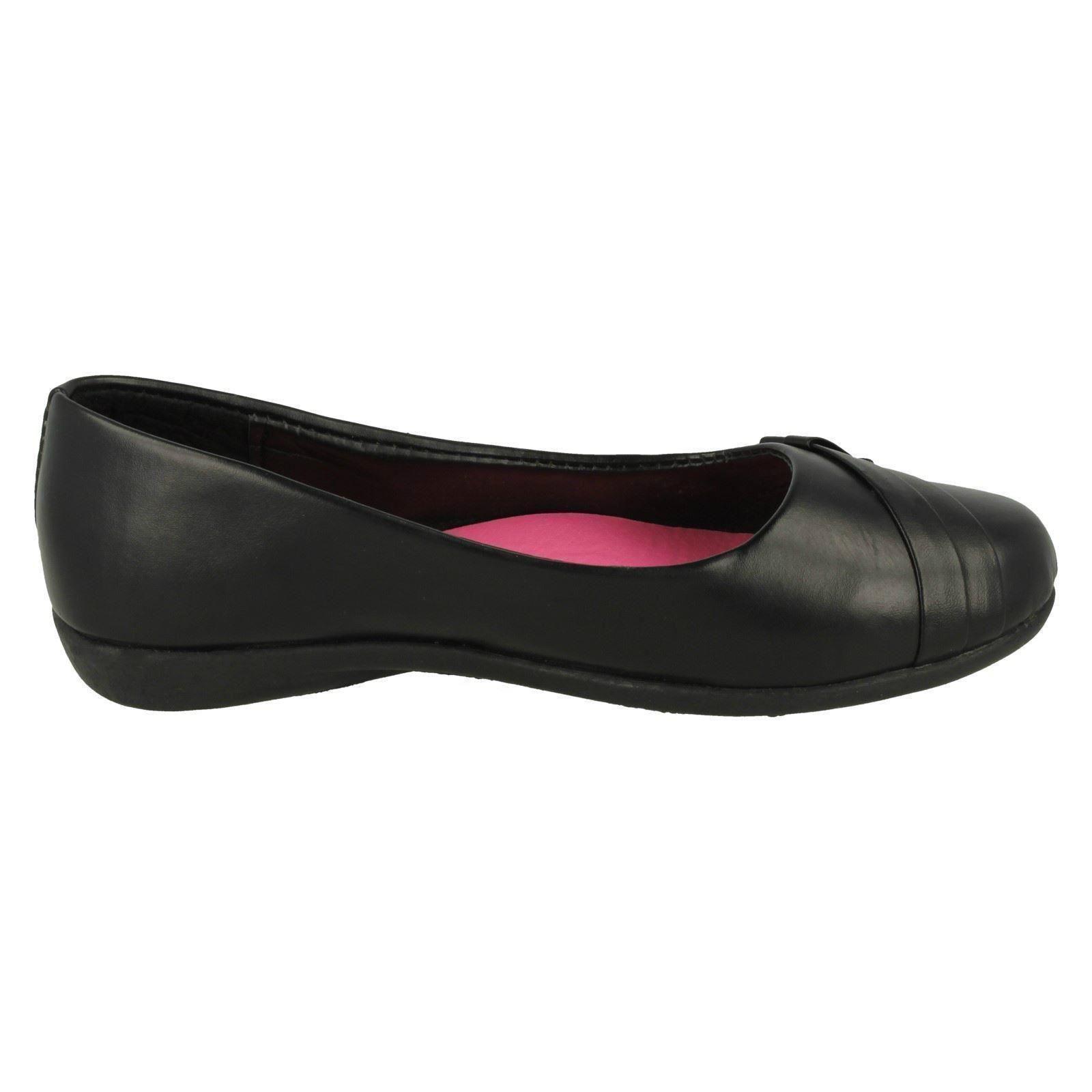 Girls Spot On Slip On School Shoes