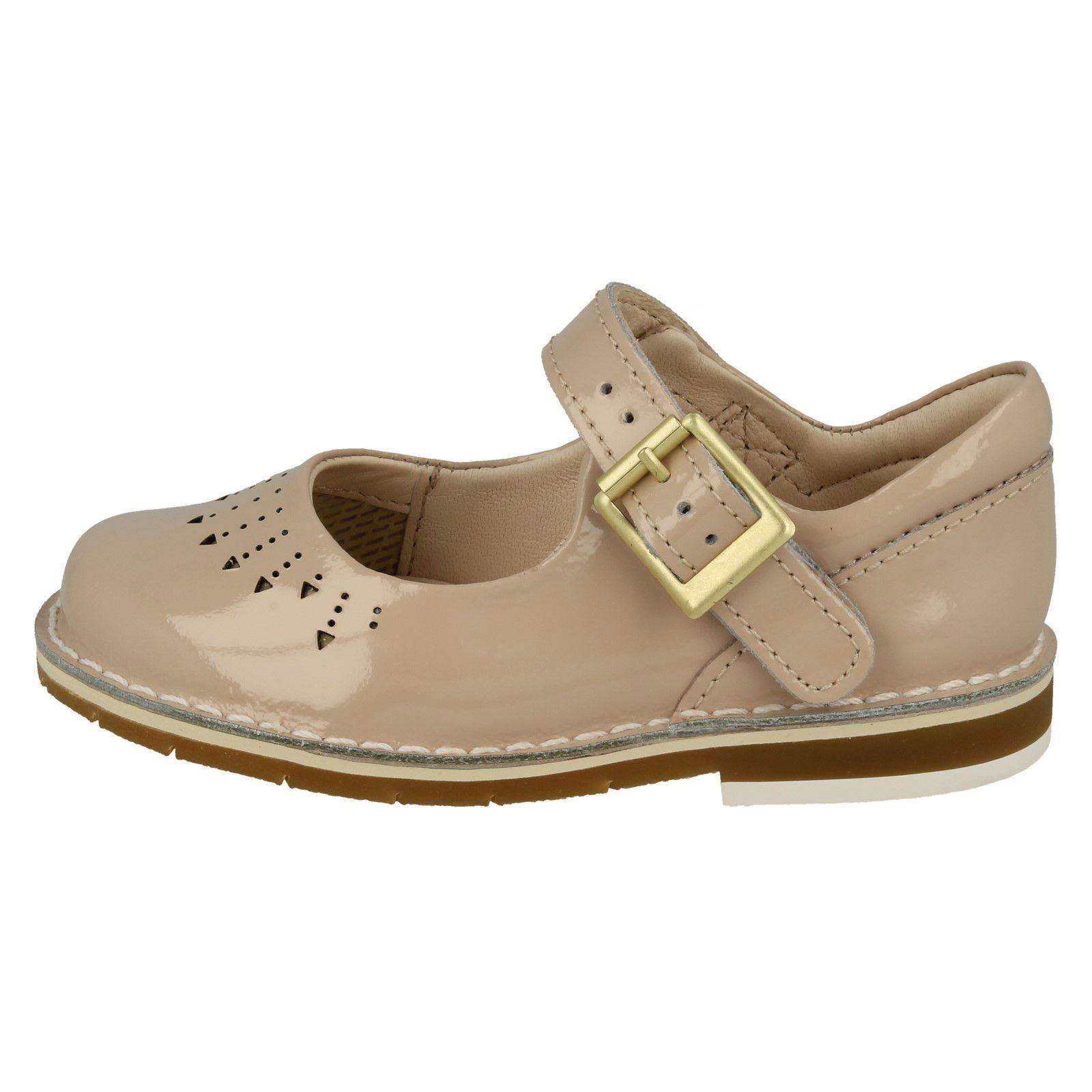 Girls Clarks Casual Shoes *Yarn Jump*