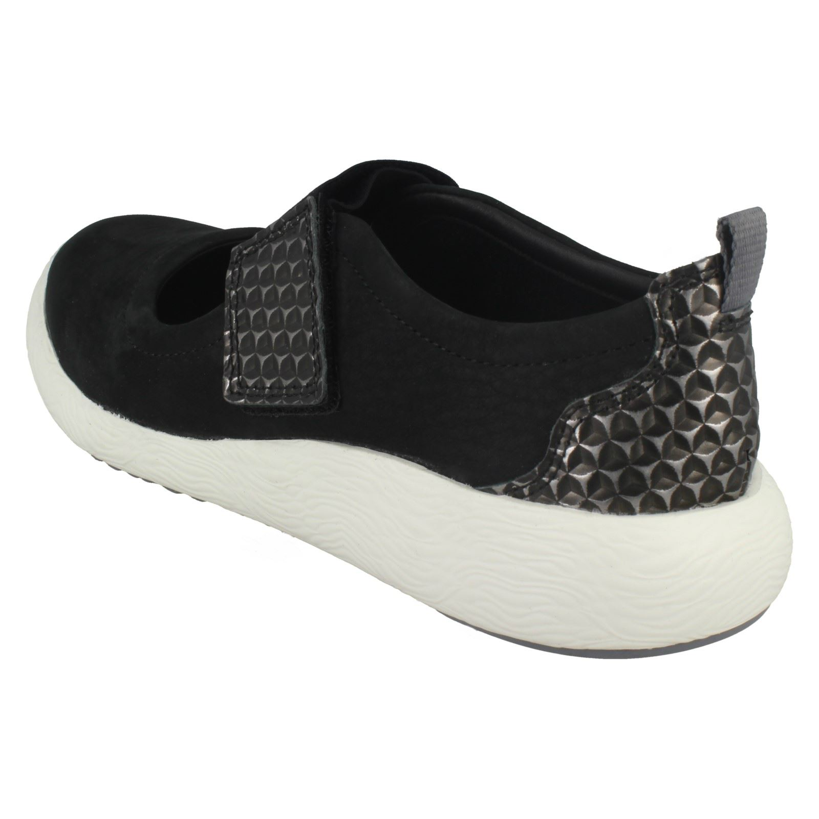 Clarks Ladies Casual Flats Cowley Folly
