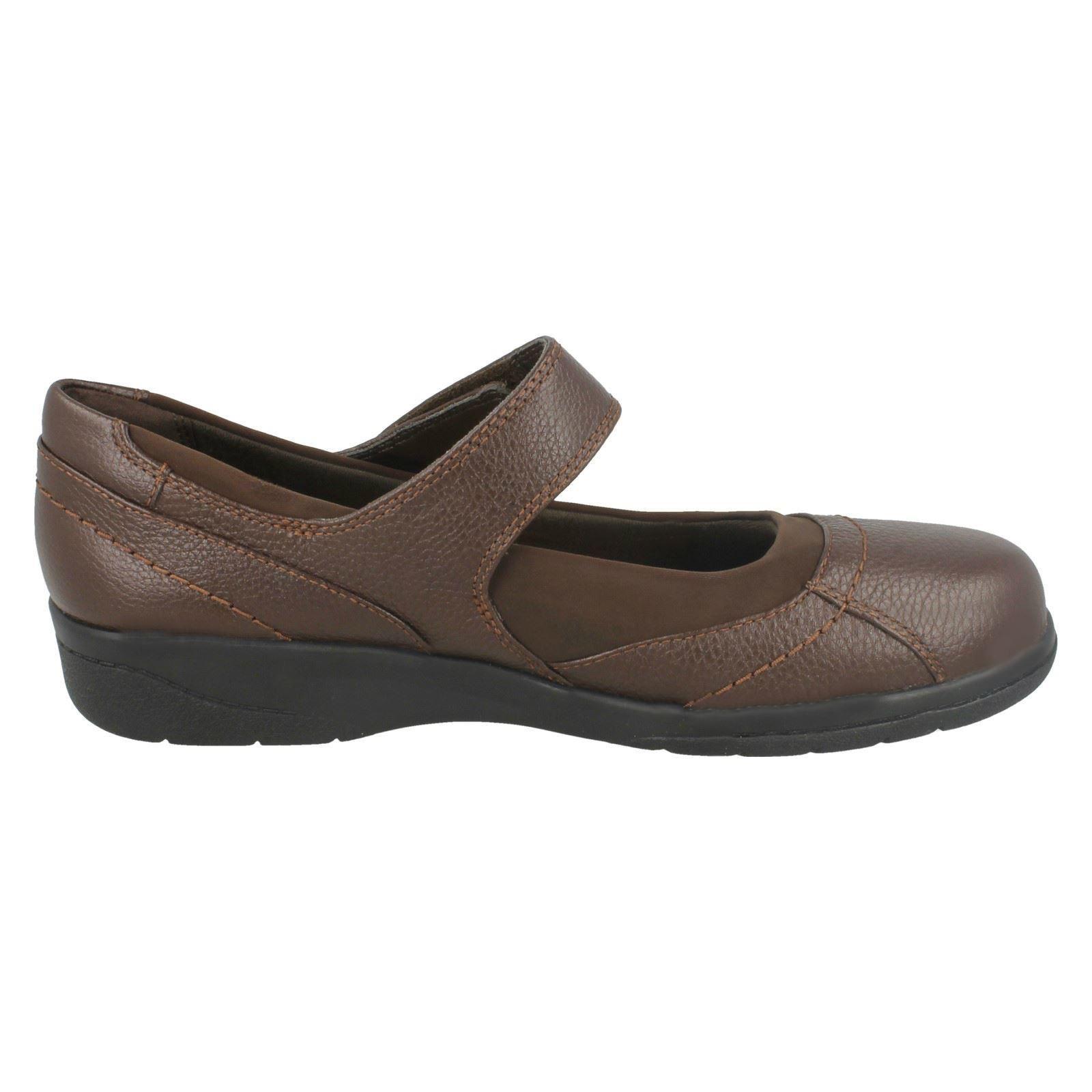 Ladies Clarks Hook And Loop Shoes Cheyn Web
