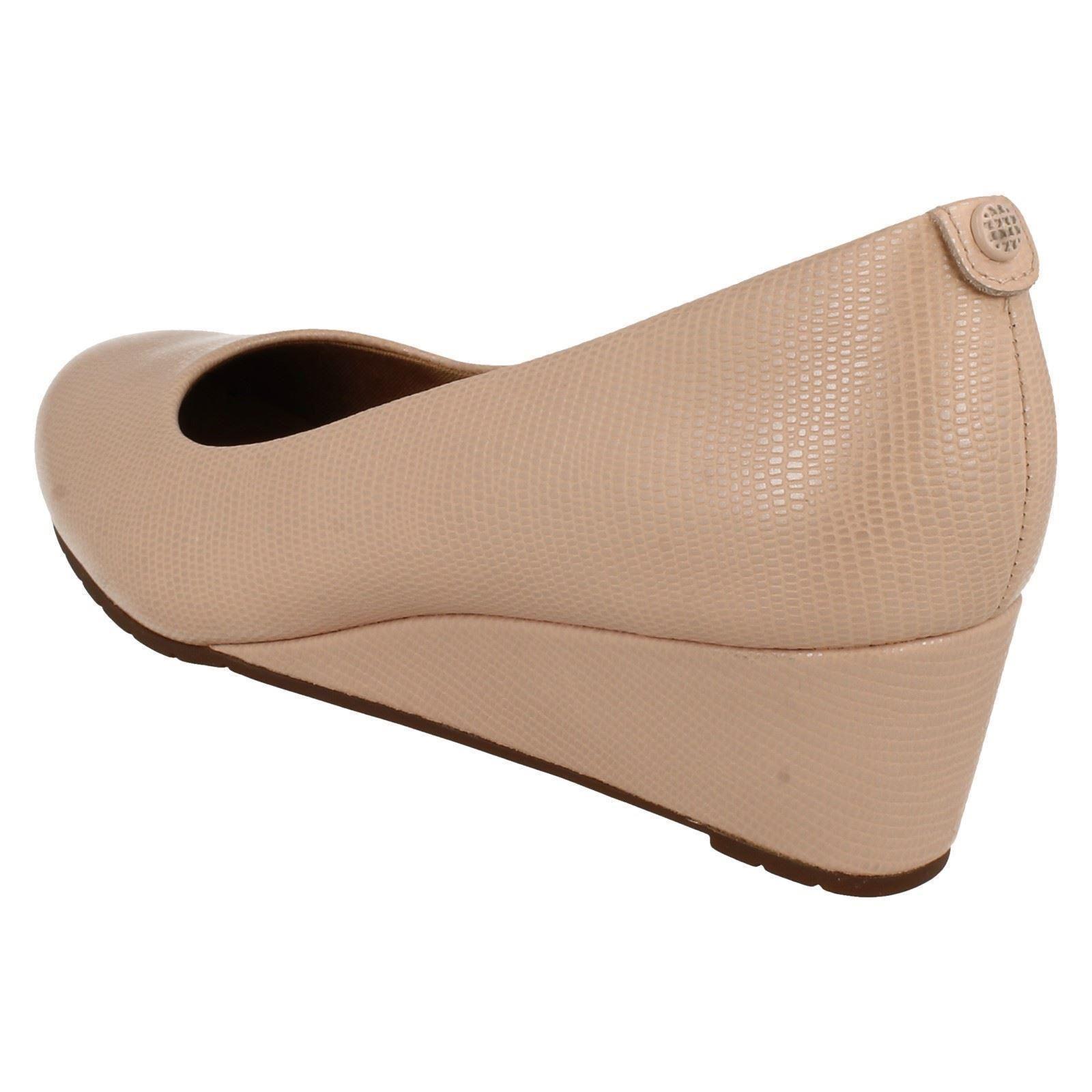 Femmes Clarks Compensés bas Formelle à Enfiler Cuir Cour Chaussures vendra Bloom
