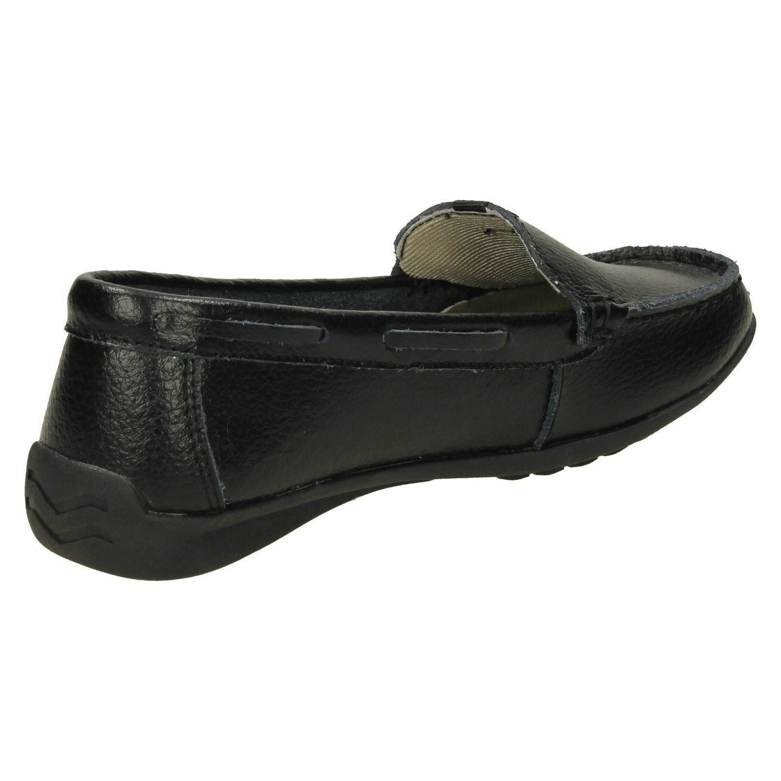 F8R0422 /'Ladies Down To Earth/' Leather Loafers