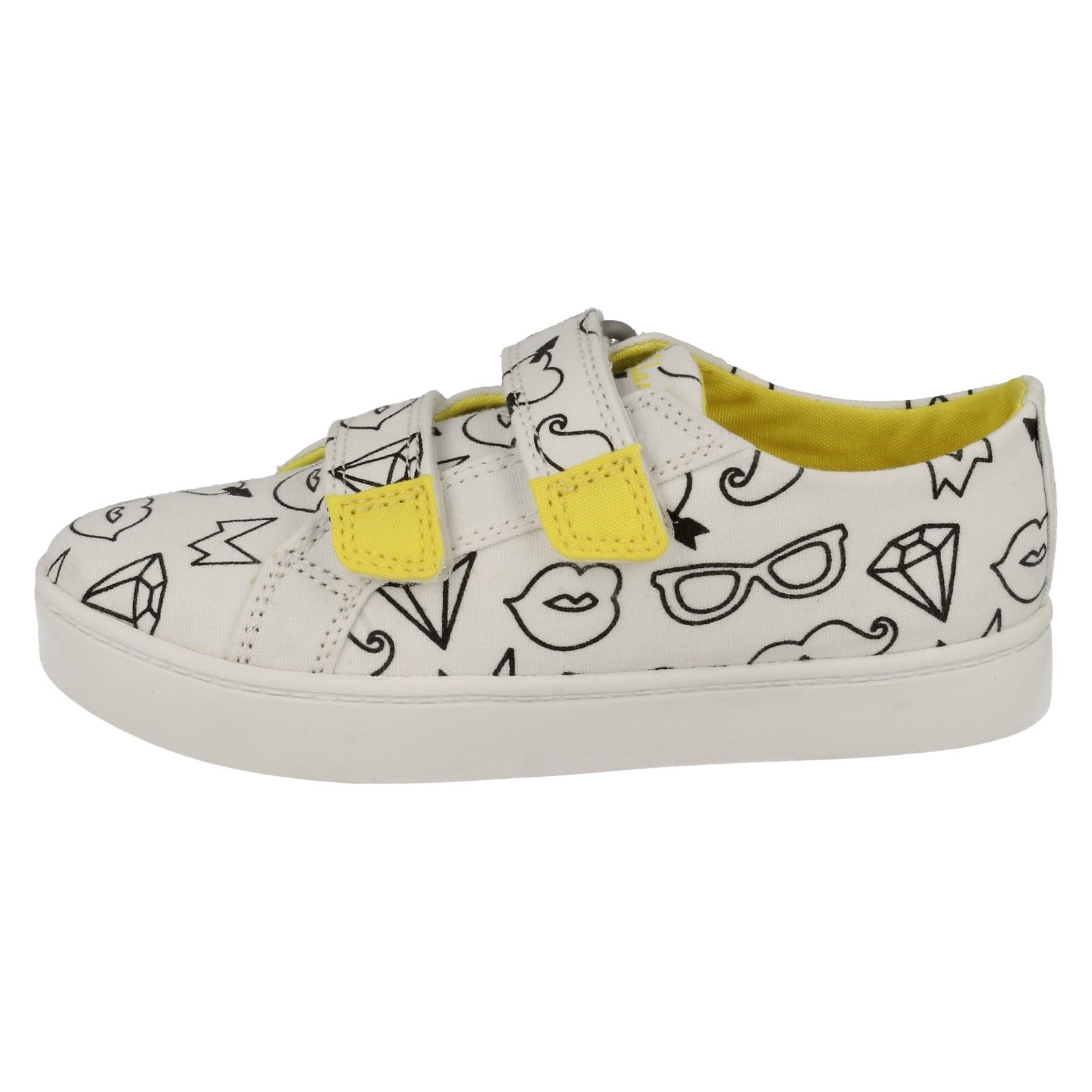 Girls Clarks Canvas Shoes Pattie Sue