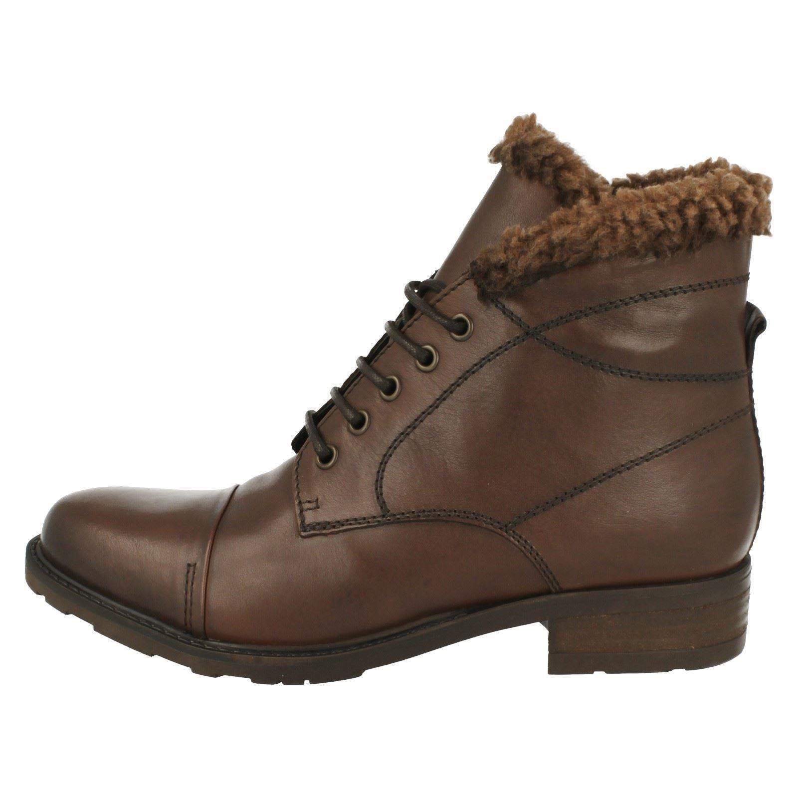 Ladies Clarks Hayride Elm Fashion Ankle Boots