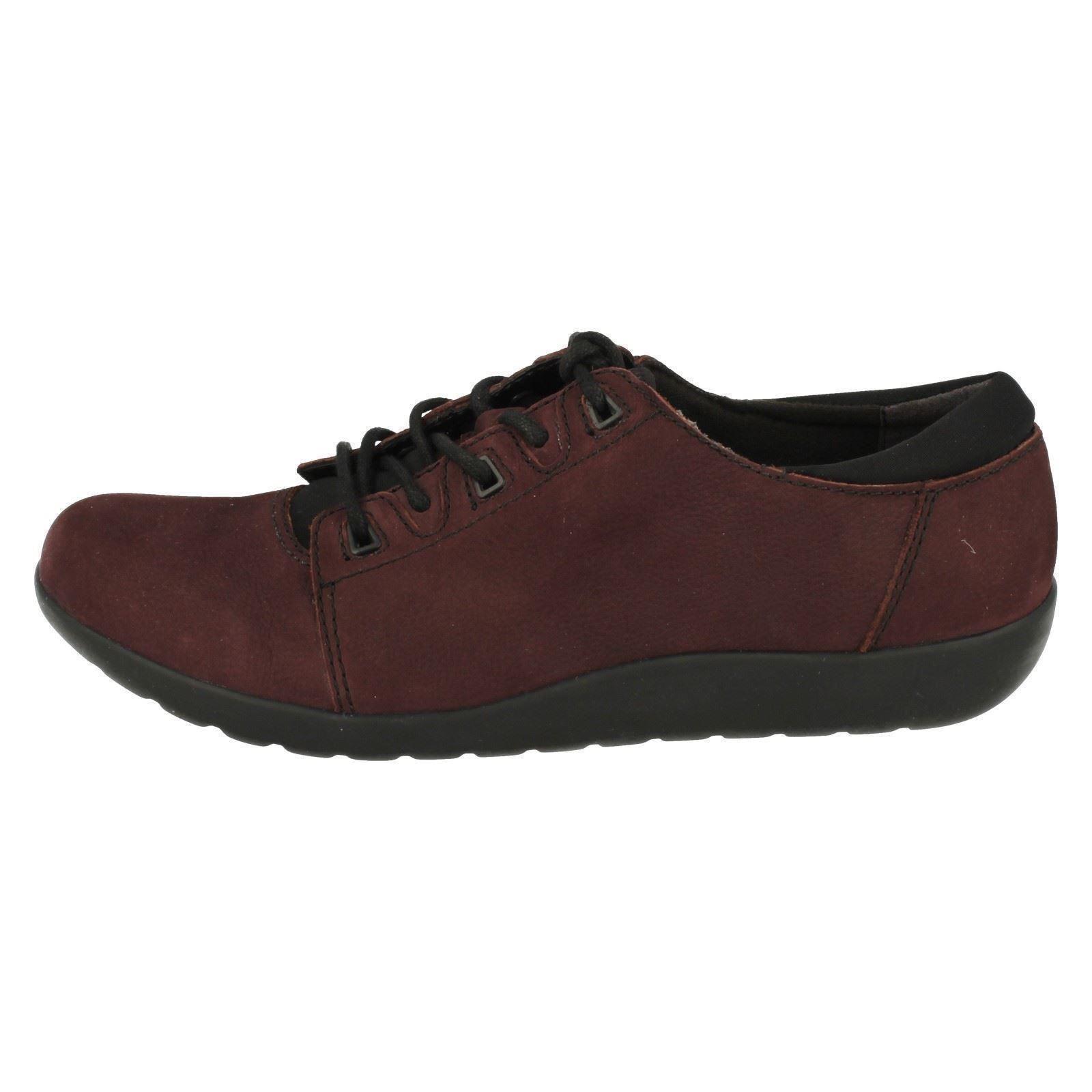 Ladies Clarks Lace Up Flat Shoes /'Medora Bella/'