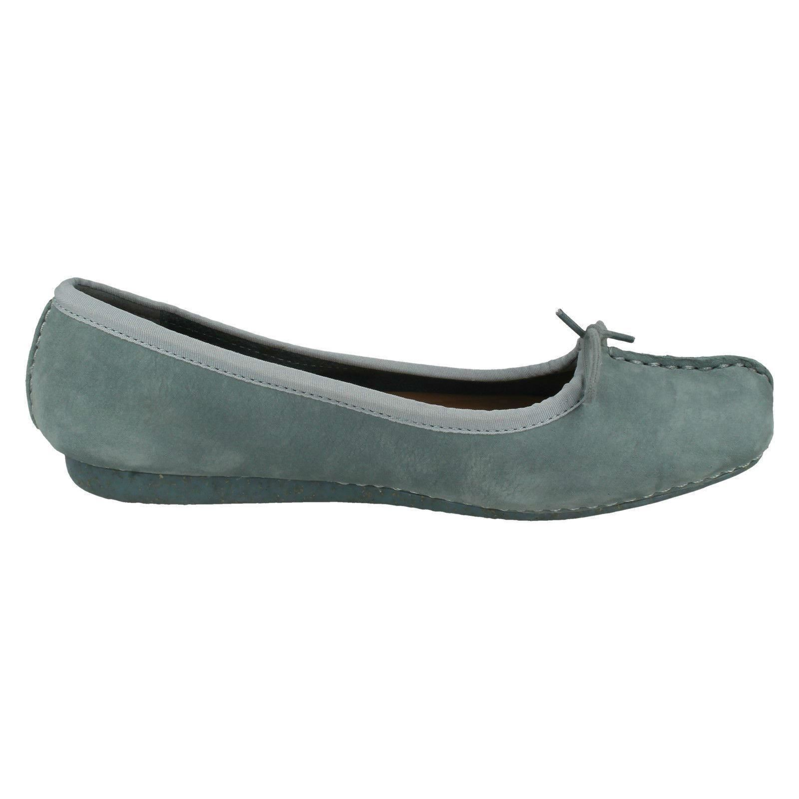 Ladies Clarks Unstructured Casual Slip On Leather Ballerina Flats Freckle Ice 17