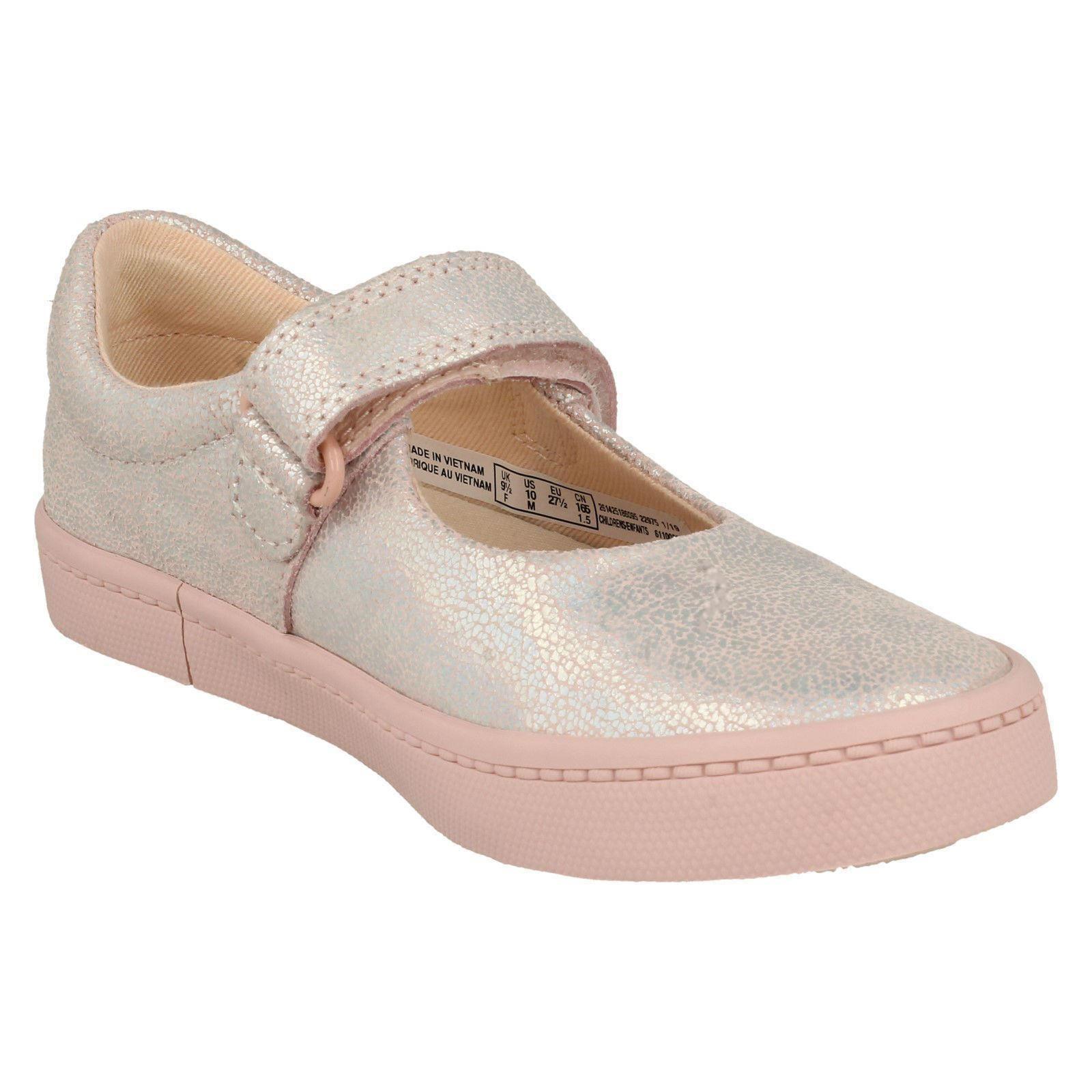 Girls Clarks Stylish Holographic Detailed Shoes City Gleam