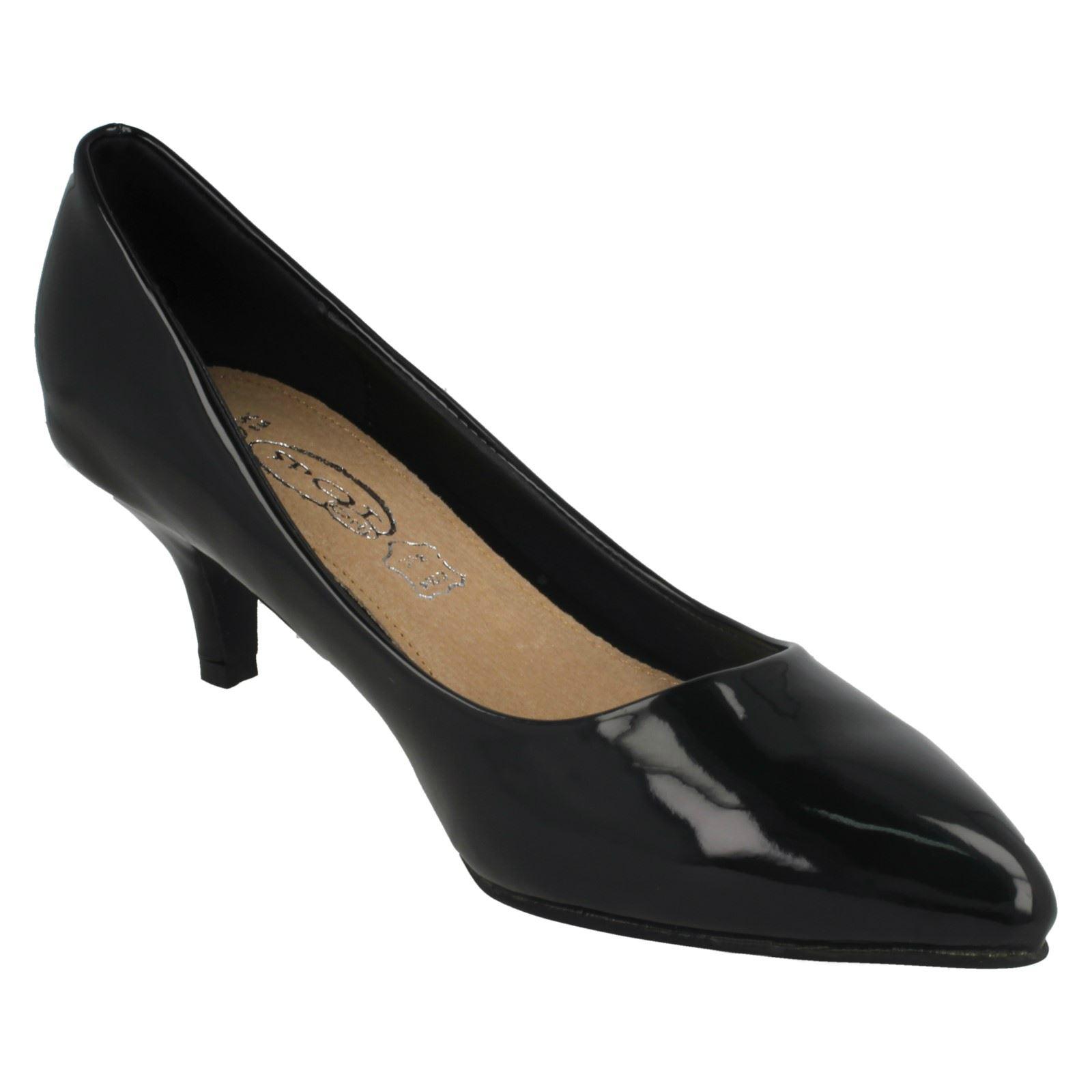 Ladies Spot On Kitten Heel Court *Shoes*