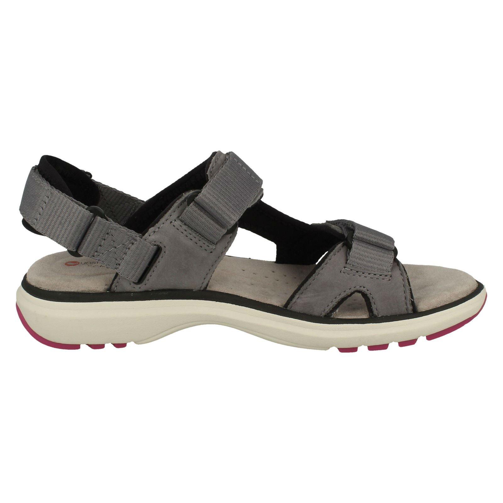 Ladies Clarks Leather Hook and Loop Fastening Sports Sandals /'Un Roam Step/'