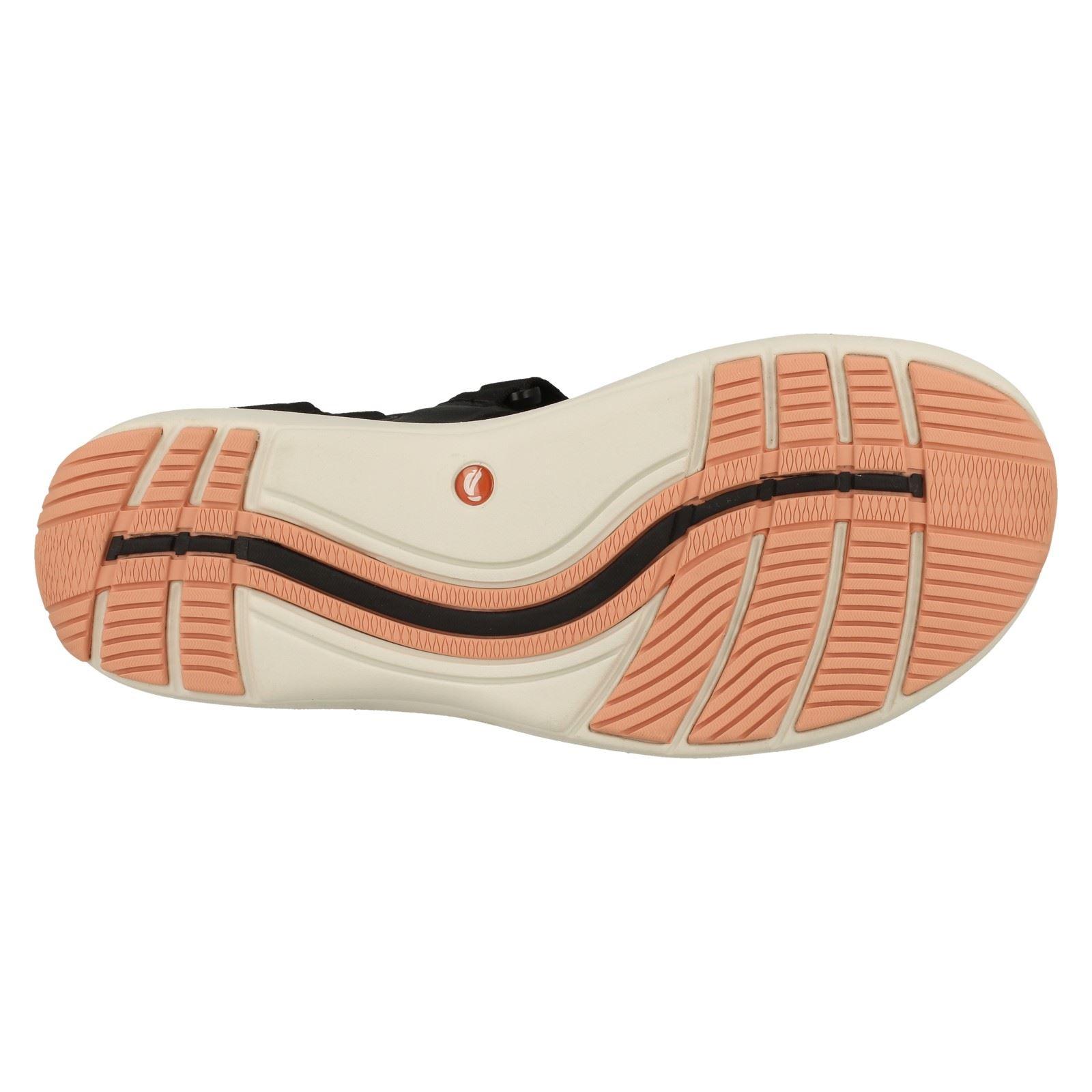 Ladies Clarks Sports Sandals *Un Roam Step*