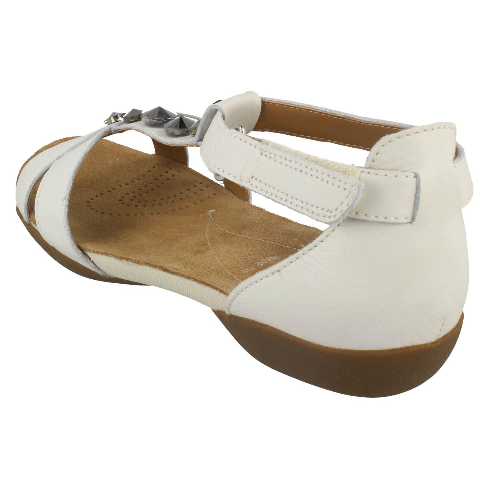 Clarks Ladies T-Bar Flat Sandals Raffi Scent
