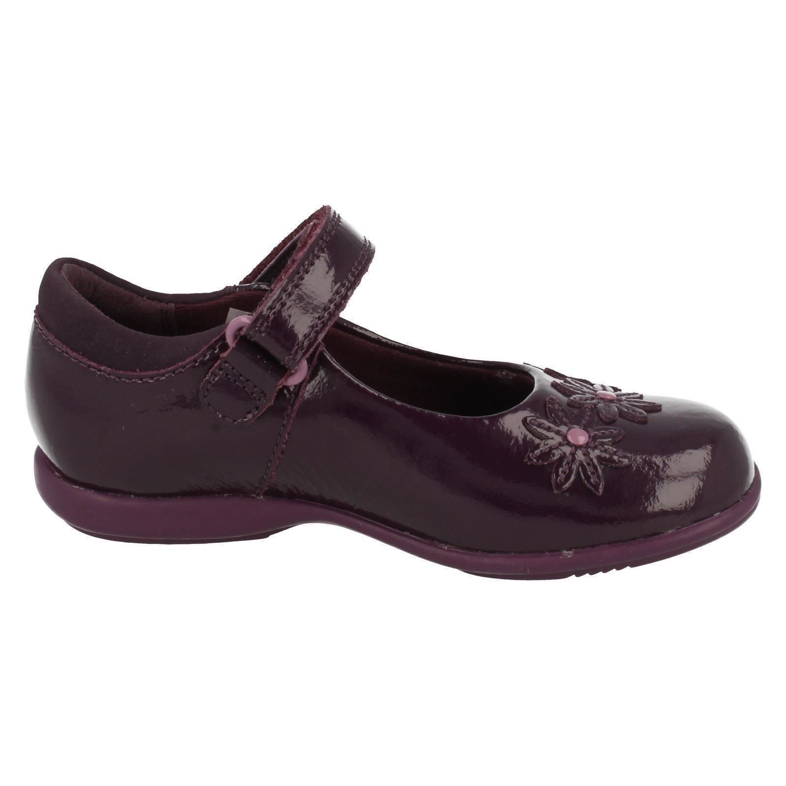 Trixi Beth Clarks Girls Smart Casual Shoes with Lights