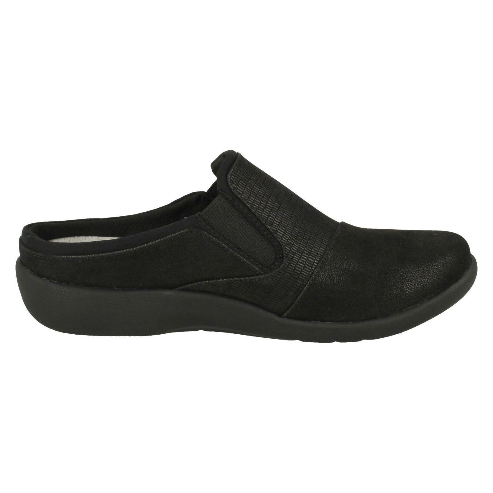 Ladies Clarks Cloud Steppers Slip On Mule Shoes /'Sillian Free/'