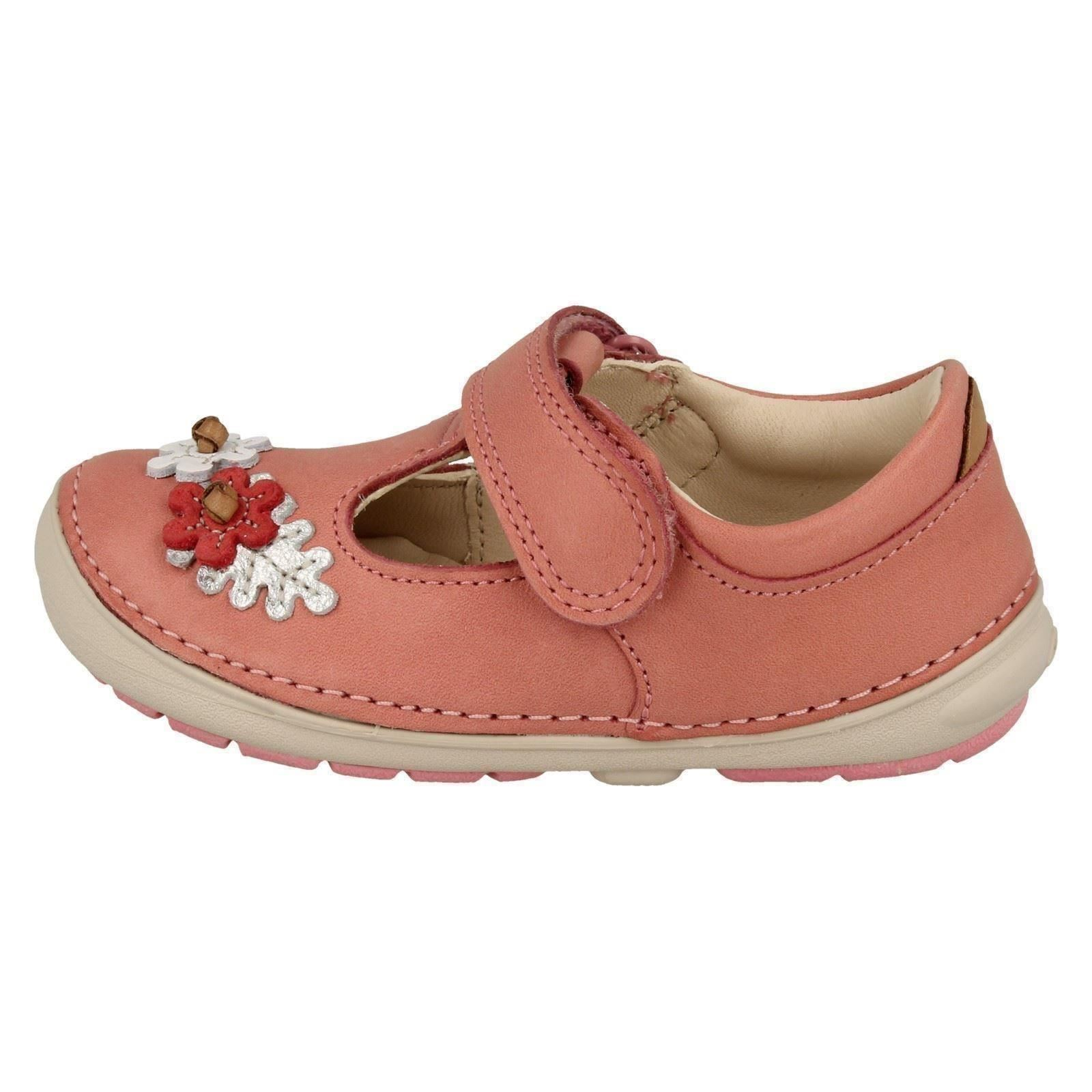 Girls Clarks First Walking Shoes /'Softly Blossom/'