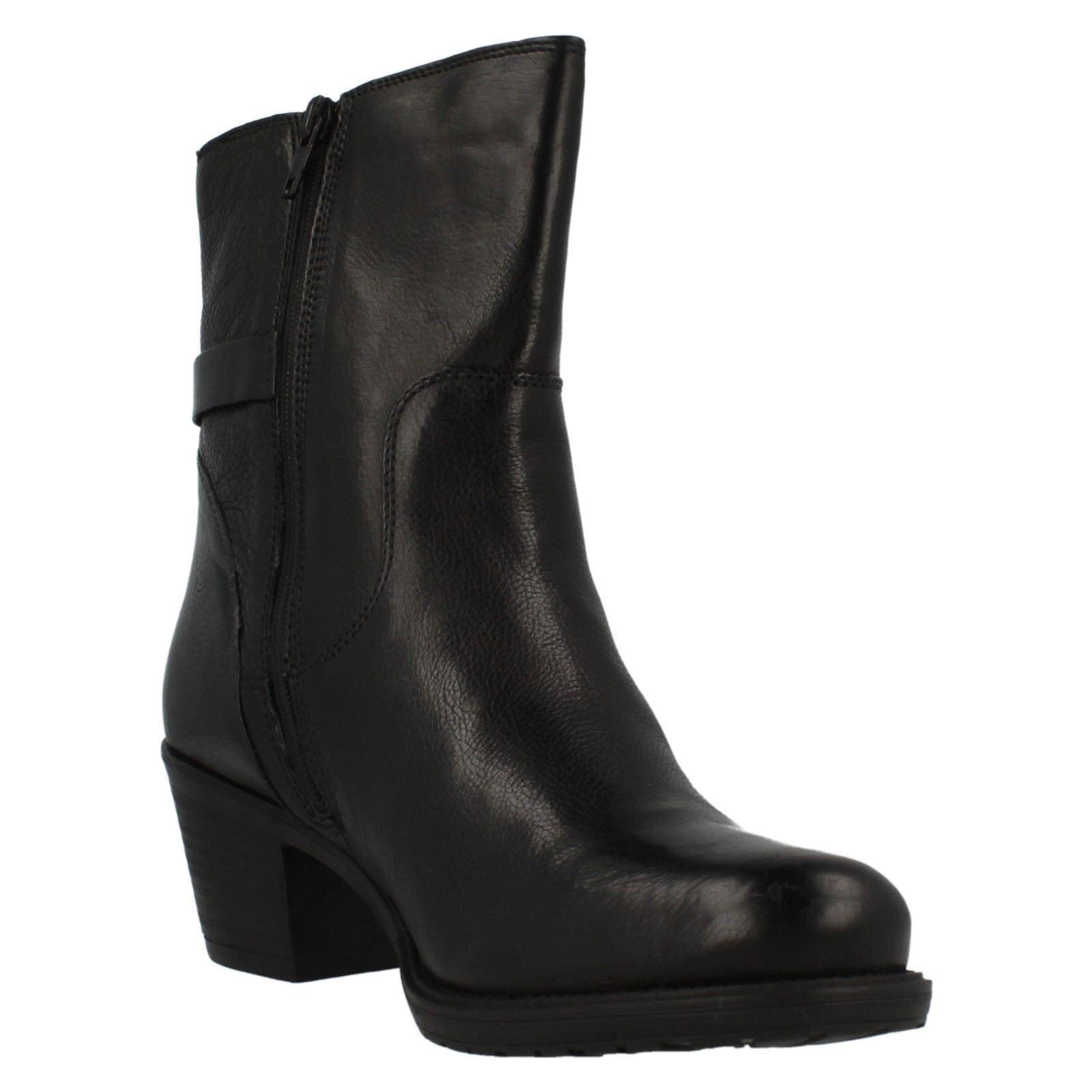 Clarks Ladies Classic Short Boots Maymie Skye