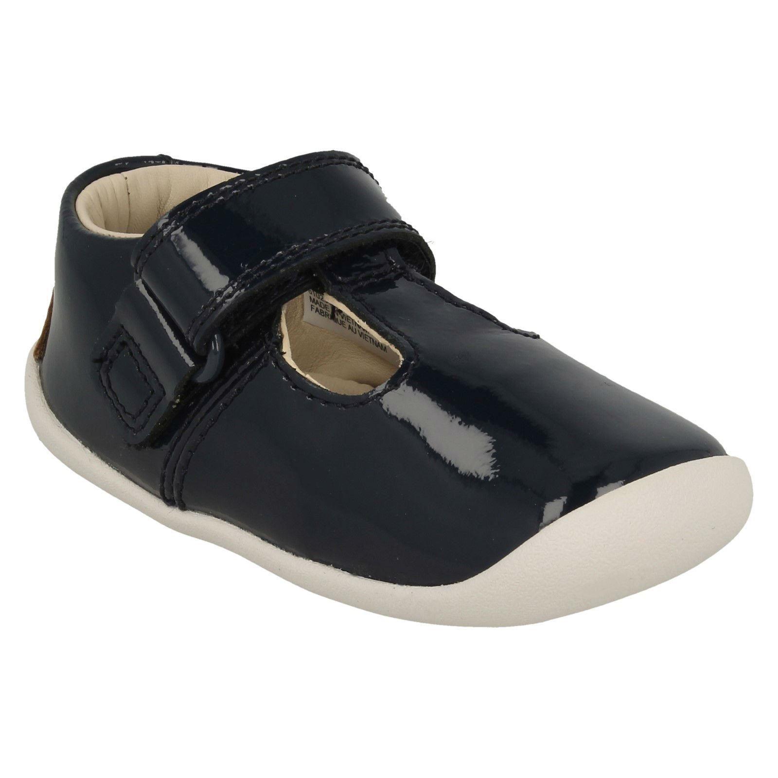 Girls Clarks T-Bar First Shoes /'Roamer Go/'