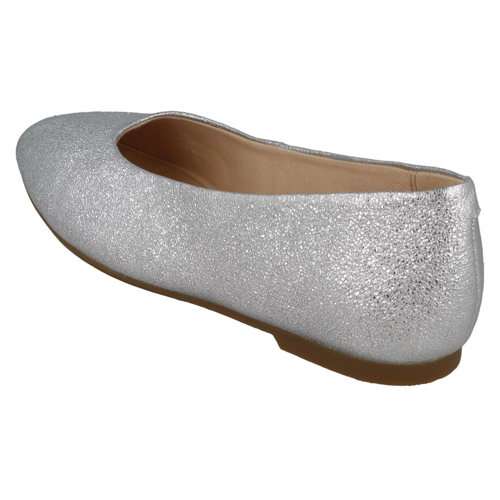 Ladies Clarks Slip On Ballerina Shoes /'Chia Violet/'