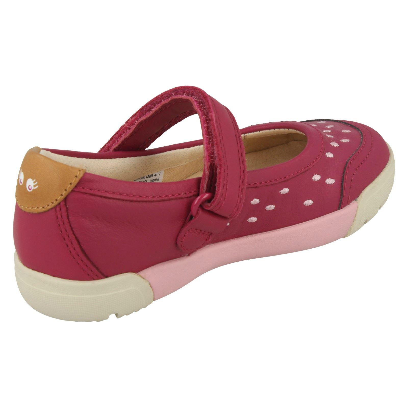 /'Lilfolk Lou/' Girls Clarks Cross Strap Fastening Leather Flat Shoes