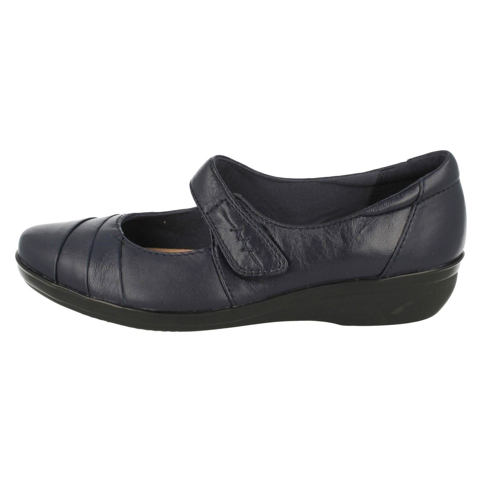 Ladies Clarks Everlay Kennon Cushion Soft Smart Shoes