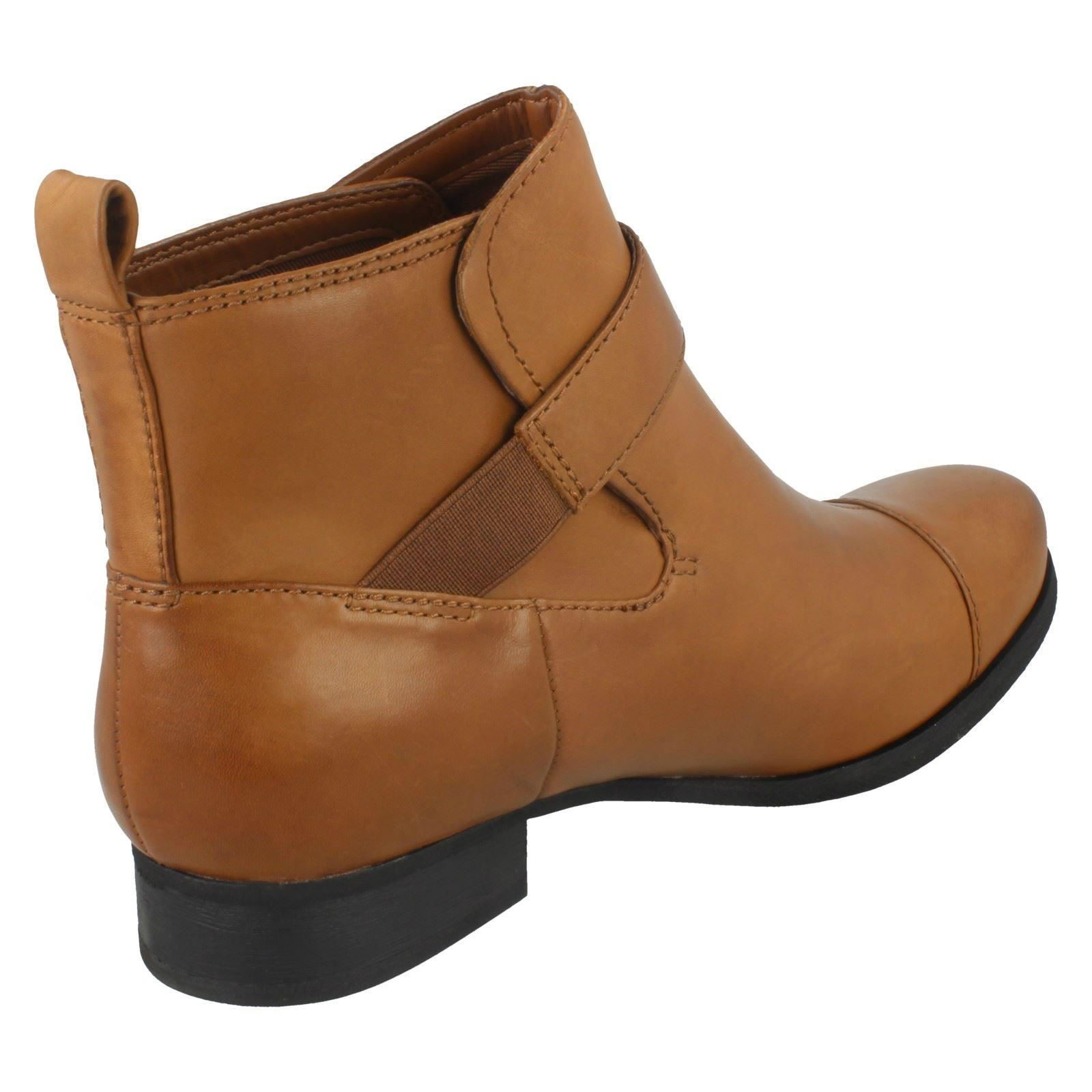 Ladies Clarks Ladbroke Magic Ankle Boots