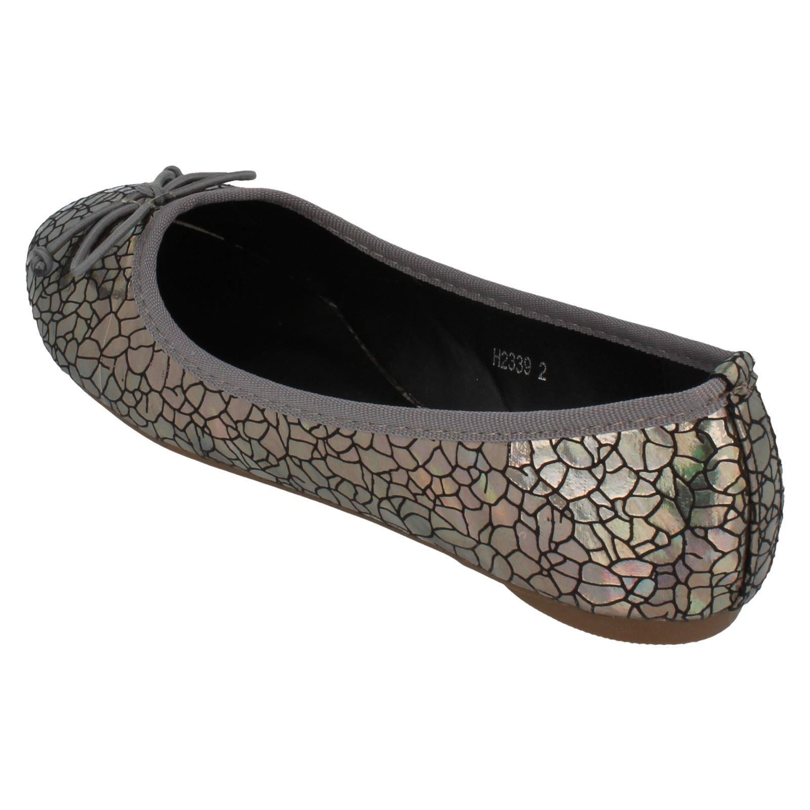 Girls Spot On /'Flat Shoes/'