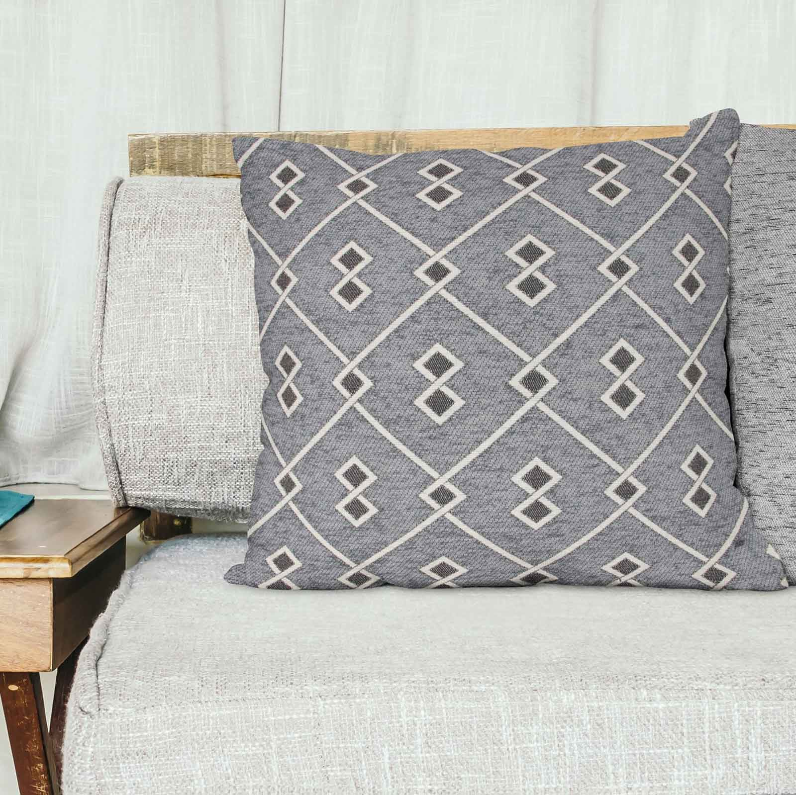 "Shelbourne Cushion Cover Luxury Geometric Diamond Chenille Covers 18/"" x 18/"""