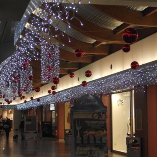 Decorazioni natalizie per centri commerciali