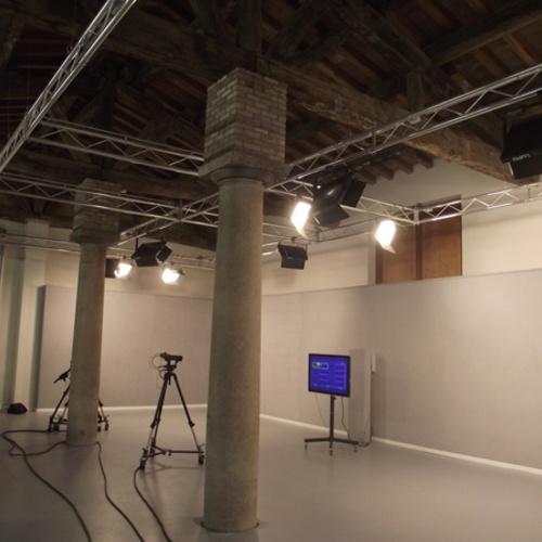 Allestimento studi televisivi