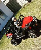 فور ويل العملاقه للأطفال عجلات مطاط وكرسي جلد