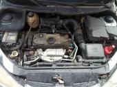 للبيع قطع غيار بيجو 206 موديل 2003