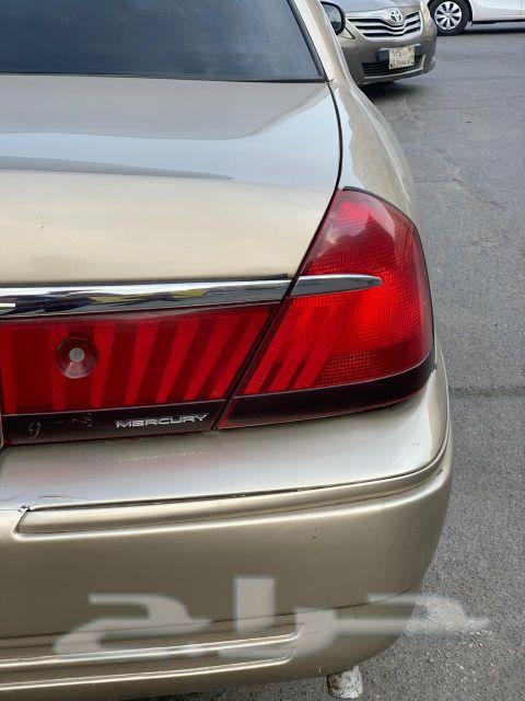 سيارة فورد جراند ماركيز 2000
