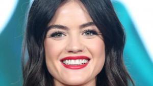 Lucy Hale non assomiglia più ad Aria Montgomery - ora è bionda!