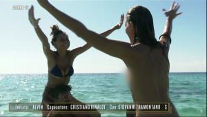 Isola dei famosi 2019, Marina La Rosa in topless per festeggiare la finale