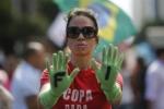 Mondiali 2014. Il Papa: sia festa Ma a San Paolo e Rio sale la tensione