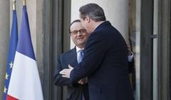 Cameron: La Gran Bretagna bombardi insieme alla Francia