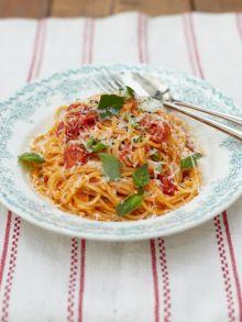 Classic tomato spaghetti