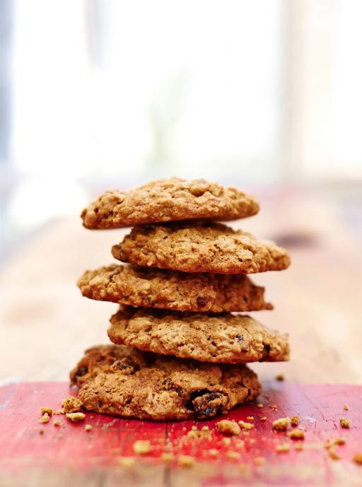 gluten free oat and raisin cookies