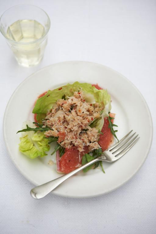 crab and grapefruit salad
