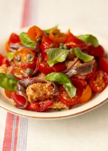 Italian tomato and bread salad
