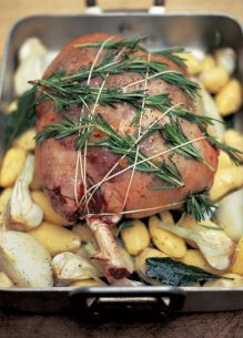 Leg of lamb stuffed with olives, bread, pine nuts and herbs (Cosciotto d'agnello ripieno di olive, pane, pinoli e erbe aromatiche)