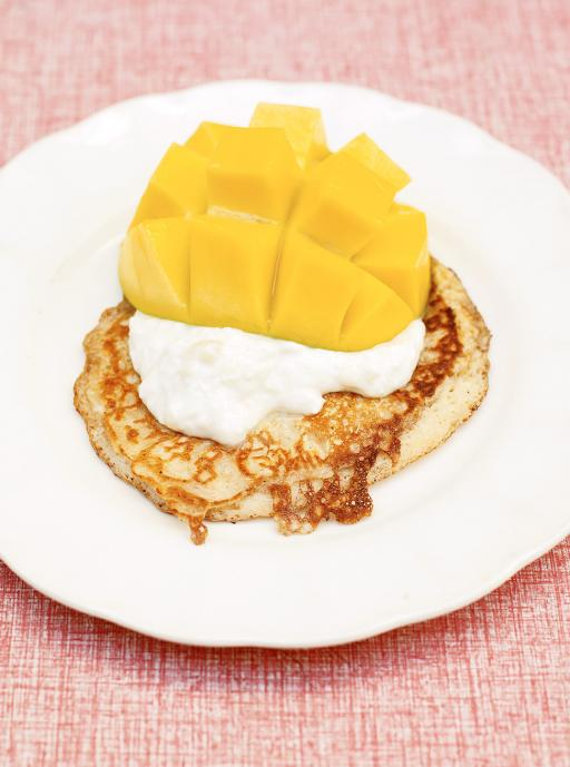 one-cup pancakes, tropical yoghurt and mango