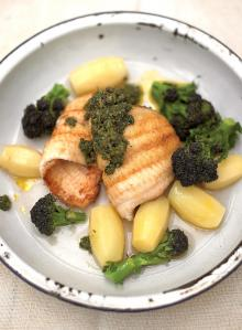 Pan-fried lemon sole fillets with salsa verde